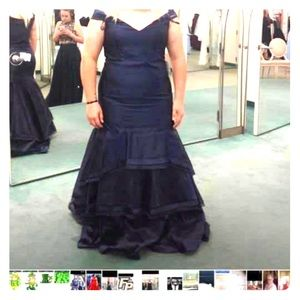 Navy blue prom/pageant dress size 20